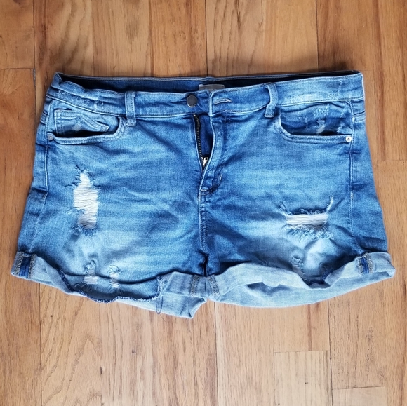 ID:23 GREAT CONDITION RIPPED DISTRESS JEAN SHORTS